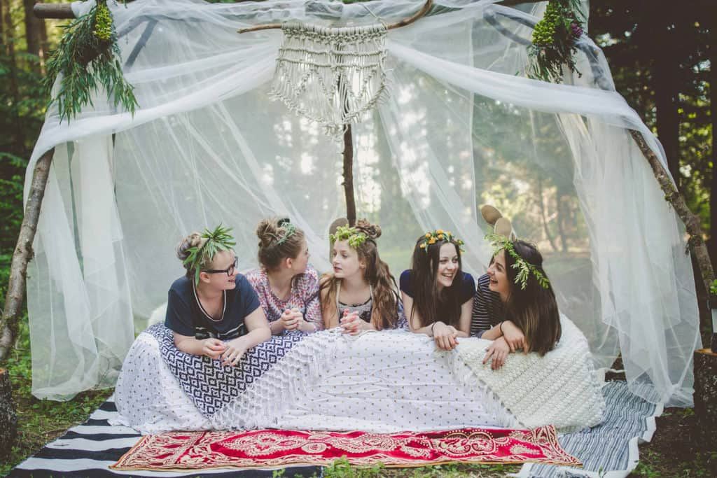 How to throw a boho festival theme camping party