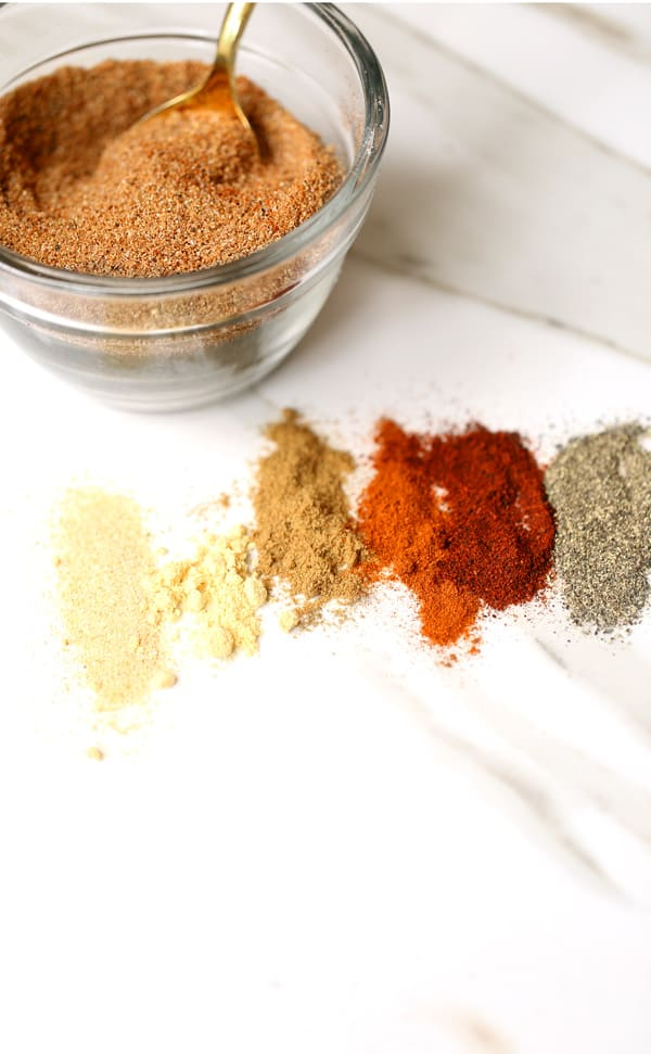8 ingredient easy homemade pork rub seasoning