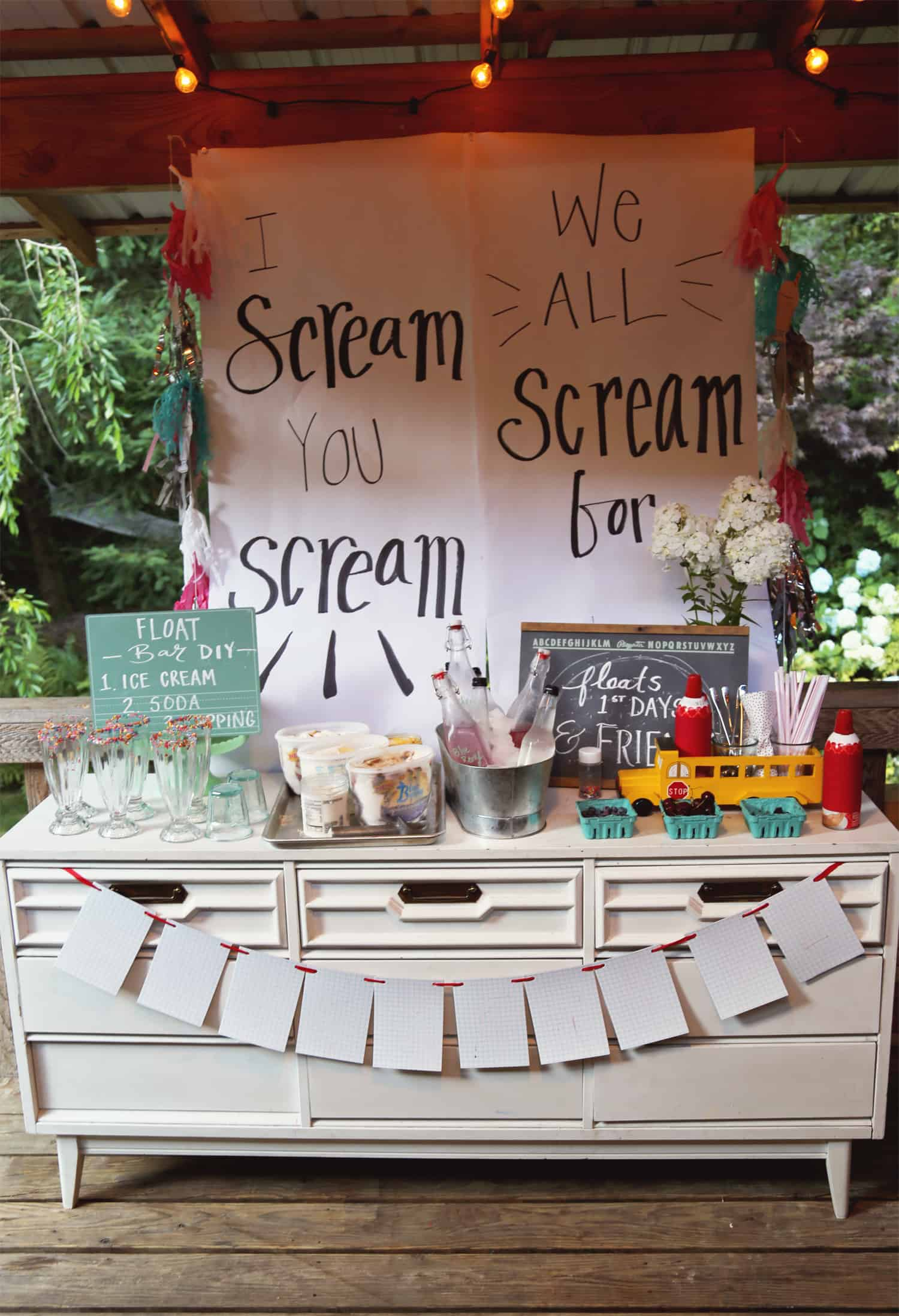 Ice Cream Float Bar DIY - #BlueBunny #SoHoppinGood #ad
