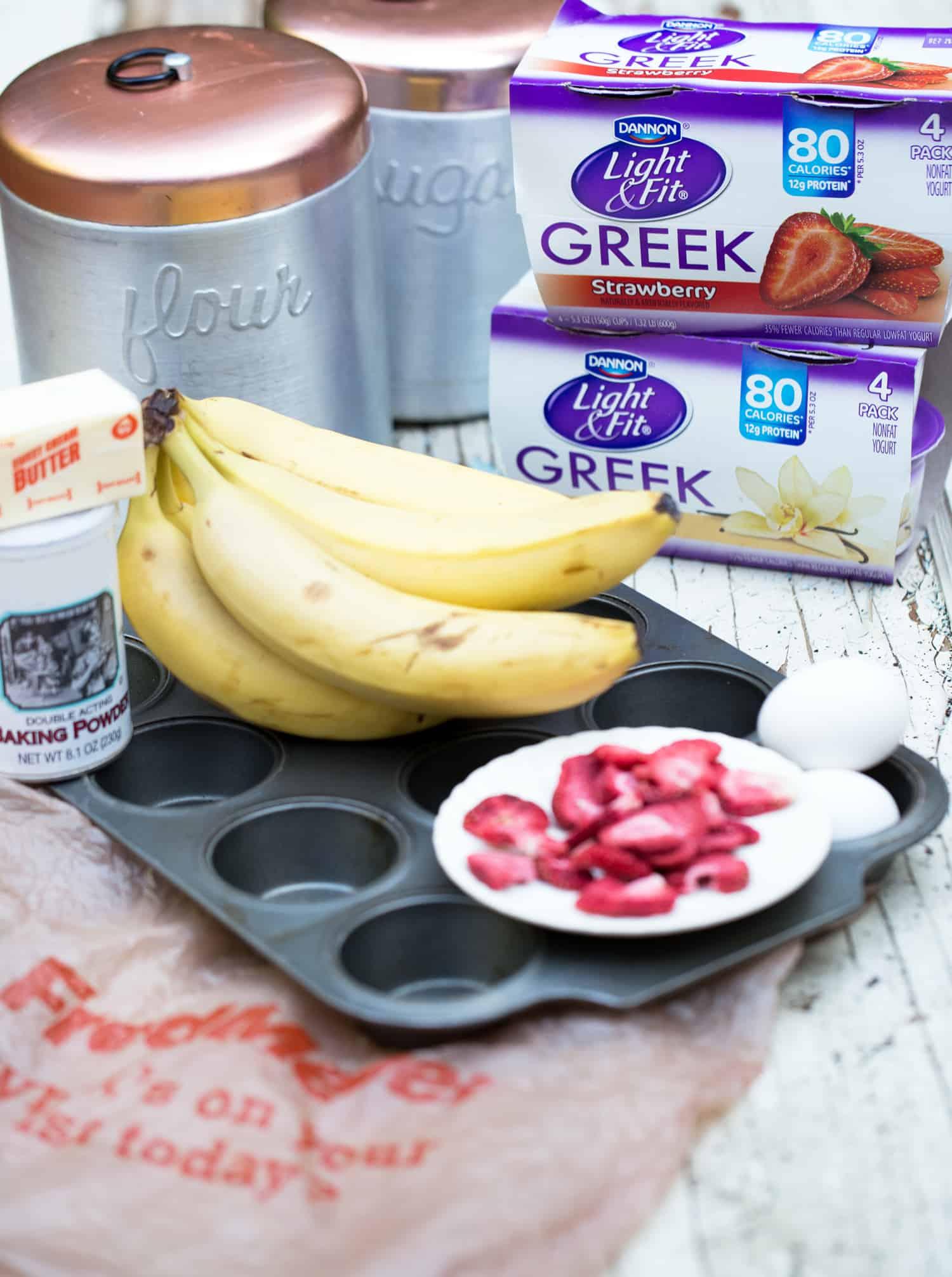 strawberry banana muffins recipe ingredients