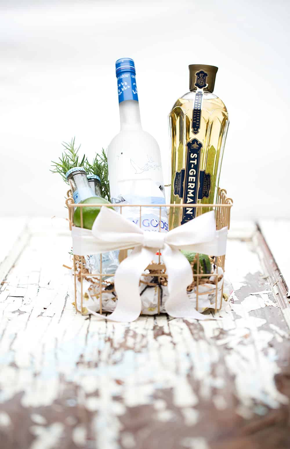 holiday gift idea make a simple fresh DIY cocktail kit gift box #GiftAndShare #CollectiveBias #ad