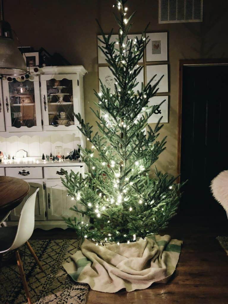 holiday music | christmas music playlist | playlists for the holidays | keeping calm this holiday season