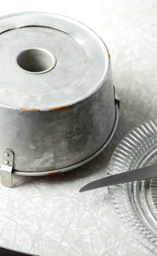 tube pan for chiffon cake