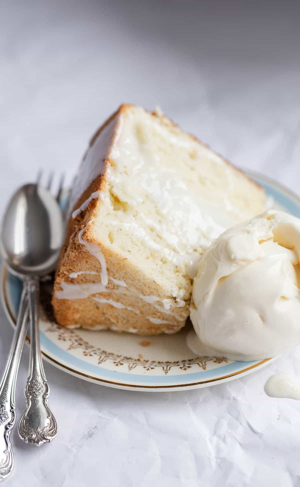 Banana Chiffon Cake a light, fluffy cake with tender bite and rich banana flavor. chiffon cake | chiffon cake recipe | chiffon cake with lemon glaze | ripe banana recipes