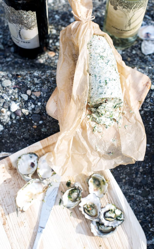 When the need for connection and togetherness hits, the solution is simple! Grab a great bottle of wine and some delicious snacks for a night of laid-back, summer relaxation with friends and family. And with Bacon Blue Cheese Compound Butter in the fridge a great time over Grilled Oysters Rockefeller and fabulous wine is a breeze, any day of the week! how to grill oysters Rockefeller | oysters rockefeller on the grill | grilled oysters Rockefeller recipe | bacon blue cheese butter | beach bbq #SeedOfAGreatSummer #CollectiveBias #DreamingTreeWines #ad