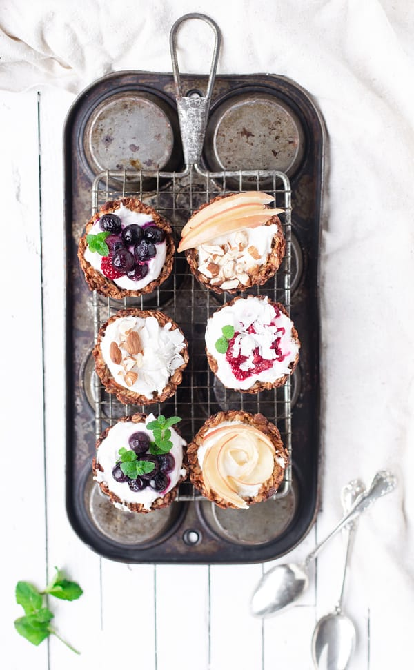 Kick the new year off right with a spread of yogurt parfaits in make-ahead Breakfast Cookie Cups! brunch recipes   for a crowd   breakfast cookies   breakfast cookie recipe   yogurt cups   breakfast with yogurt   yogurt parfait