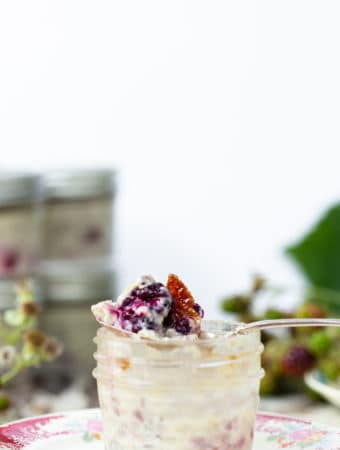 Sous Vide Creme Brulee with fresh berries is a fresh seasonal version of everyone's favorite classic, creamy dessert. sous vide creme brulee recipe   sous vide recipes   sous vide machine   sous vide desserts