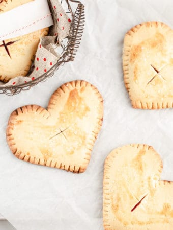 Lime Cherry Hand Pies are a simple sweet (and super adaptable!) recipe to enjoy year round. cherry pie   cherry hand pies   cherry limeade   cherry pie filling   shes my cherry pie  
