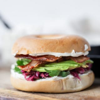 Bacon Bagel Sandwich a simple breakfast with endless possibilities for customization! bacon bagel breakfast sandwich recipe | avocado bagel sandwich | healthy bagel sandwich