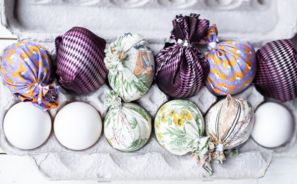 Looking for a fun method for dyeing Easter eggs? These Fabric Dyed Easter Eggs create the most stunningly intricate graphic designs, easily!  dyeing easter eggs | decorated easter eggs | painted eggs | shaving cream easter eggs | silk dyed easter eggs