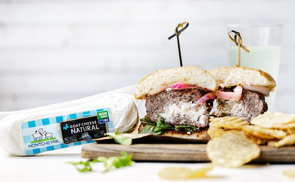 Whether grilling in the campground, on the patio, or over the stove top, Chèvre-Stuffed Burgers with Onion Jam and Arugula are delicious, unexpected, and sure to impress. How to make stuffed burgers   chevre goat cheese recipes   @Montchevre® #ad