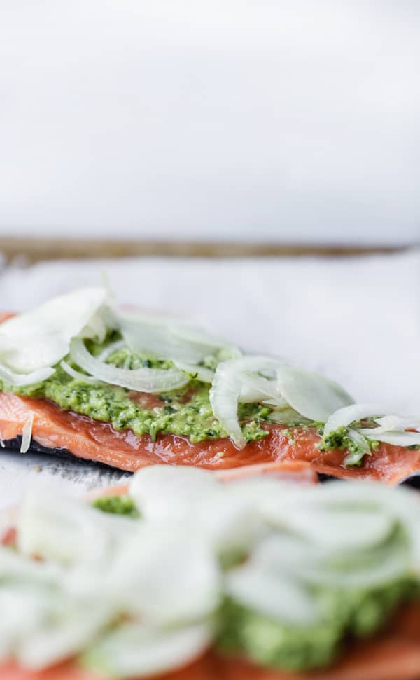 Chimichurri Baked Salmon is an easy salmon recipe just perfect for busy weeknights! easy salmon recipe   baked salmon   weeknight dinner   chimichurri fish