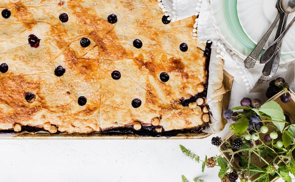 Nectarine Berry Slab Pie Bars are a great portable sheet pan dessert made from fresh fruit and flaky lemon pastry. Perfect for parties and potlucks! blackberry pie   berry desserts recipes   triple berry slab pie   blueberry nectarine blackberry sheet pan dessert bars  