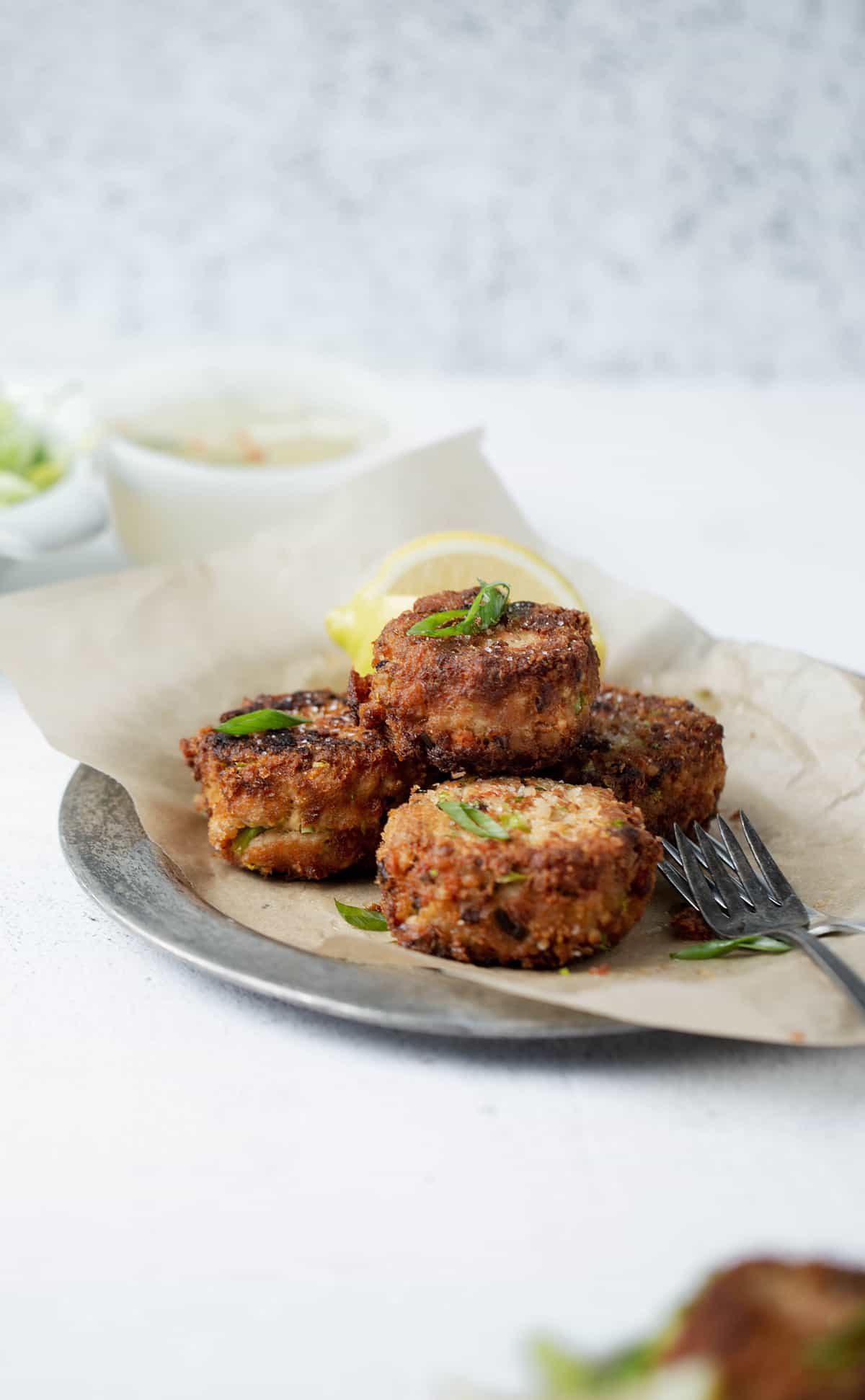 Crispy Pan Fried Asian Salmon Cakes are a delicious easy to prepare meal for breakfast, lunch or dinner! salmon patties recipe | salmon cakes canned or fresh salmon
