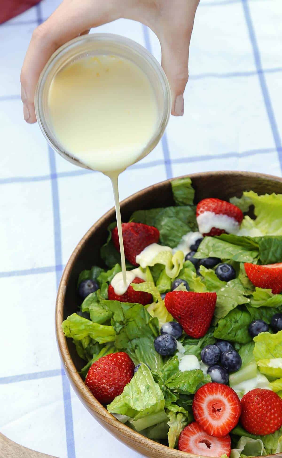Creamy Lemon Salad Dressing is a homemade salad dressing recipe that can be used in so many ways!   easy lemon salad dressing   lemon salad dressing recipe   creamy lemon dressing   fish marinade