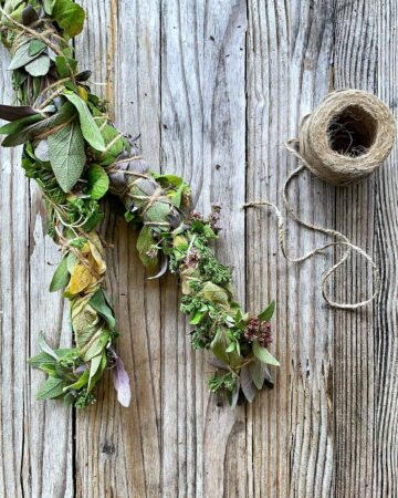 Learn how two make Floral Smudge Sticks to preserve your harvest of herbs and flowers while practicing respectful smoke cleansing. smudge | smudge stick sage sticks | how to make smudge sticks | how to use smudge stick